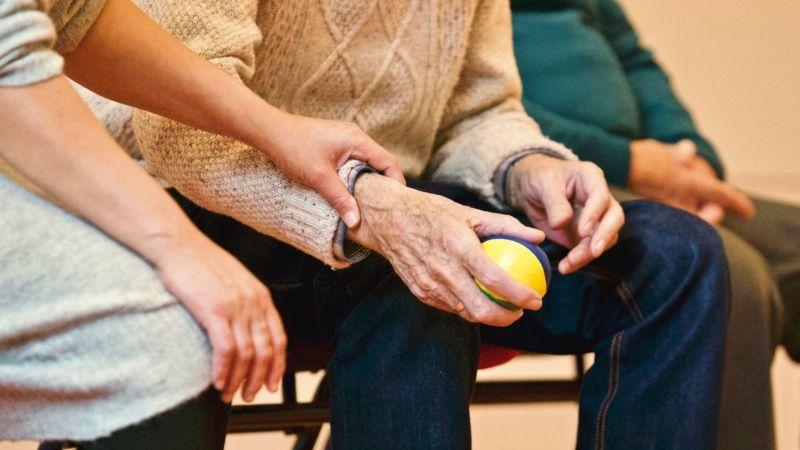 Strutture di assistenza anziani e care-givers