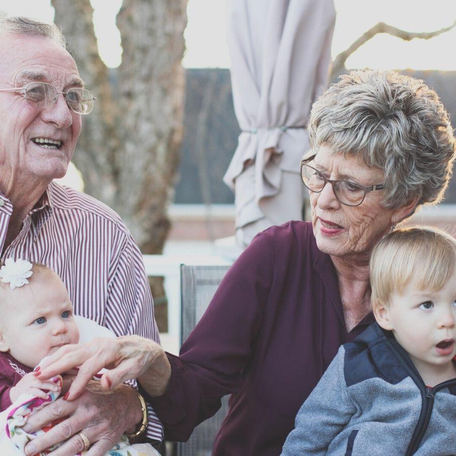 I nonni sono sempre più il pilastro della famiglia